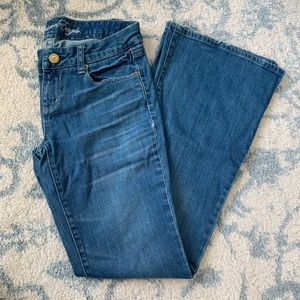 **SALE** AMERICAN EAGLE - Real Flare Jeans Sz 6